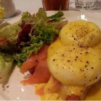 egg benedict with salmon by HanaYean