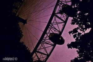 The London Eye in pink by star-saphire