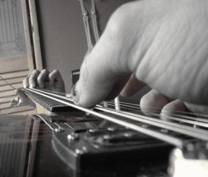 Black and White guitar by forgottenboy
