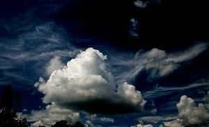 Sky: Dramatic by letTheColorsRumble