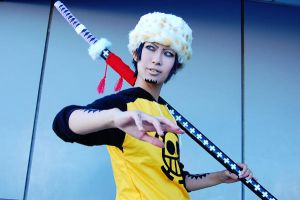 trafalgar law by YUZU-0u0