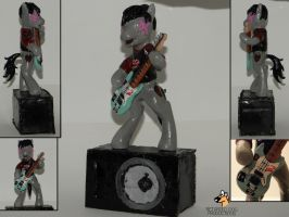 Billie Joe Armstrong pony sculpture by RetardedDogProductns