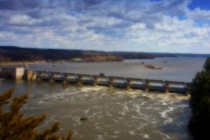 Dam on Illinois River by pubculture