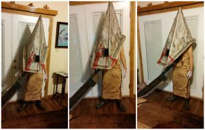Silent hill 'White Hunter' Pyramid head cosplay by Rising-Darkness-Cos