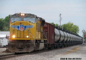 UP SD70M 4824 leads BNSF Oil Train Litchfield IL by EternalFlame1891