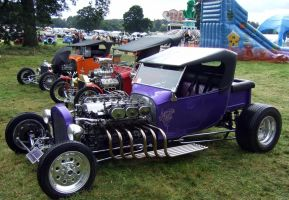 T BUCKET HOT ROD , HOT ROD SHOW ,OLD WALDEN by Sceptre63
