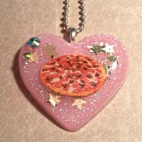 Pretty little pizza by Lutrasaura
