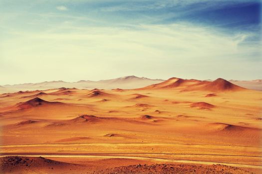 Waves of the desert by Kvikken