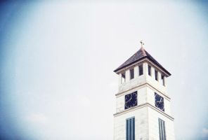 Holga-Steeple by yoenizme