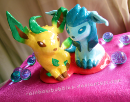 Glaceon to your Leafeon by Rainbowbubbles