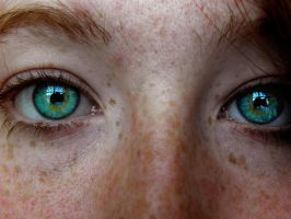 Beautiful Eyes 2 by Monochromatiques
