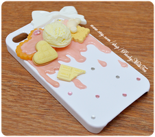 Vanilla Strawberry iPhone Decoden case by PeachMilktea