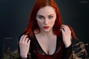 Redhead Muse by Luin-Tinuviel