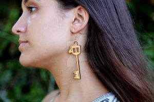 -Etsy- Engraved Kingdom Hearts Keyblade Earrings by Nortiker