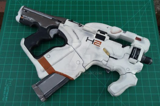 M-25 Cerberus Hornet (Mass Effect) - Completed by eidylon