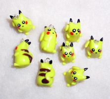 Tiny Pikachu Charms by happysquidmuffin