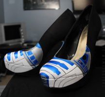 R2-D2 Heels by ThresherMaw