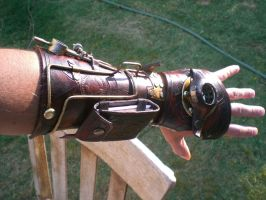 Custom Map Quester Bracer1 by Skinz-N-Hydez