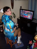 Chun Li Cosplay Playing SF4 by keidashu