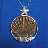 Seashell Pendant by harlewood
