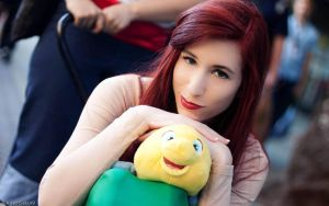 Ariel and Flounder: The Little Mermaid Cosplay by RedVelvetCosplay