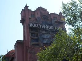 Hollywood Tower Hotel by fightingWOLF22