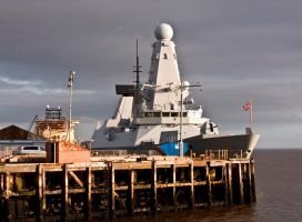Destroyer HMS Duncan VIII by DundeePhotographics