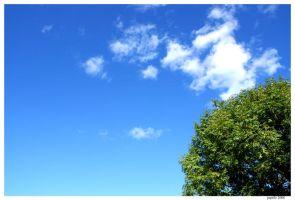 A rare blue sky in Manchester by Jupit3r