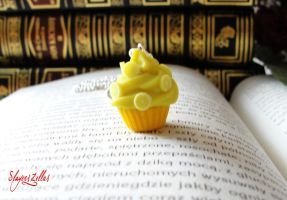 Polymer clay lemon cookie necklace by Benia1991