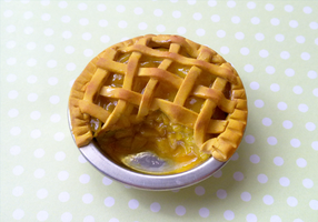 Polymer Clay : Apple Pie by CraftCandies