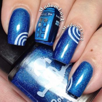Tardis by MadamLuck