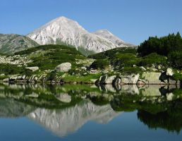 Mount Vihren by Skitnik