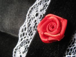 Rose Choker - Close Up by mad-hatter-inc