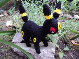 Umbreon by KarlasCuteCrochet