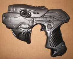 GoW hand gun by Ghostartist1