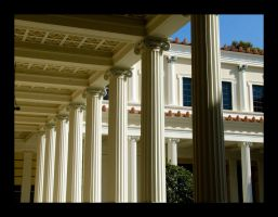 Greek Columns by krissy
