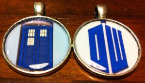 Doctor Who Necklaces by nanashisangel