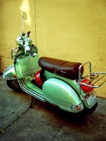 Vespa by insomnomaniadict