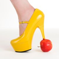 Heel and Apple by MTL3