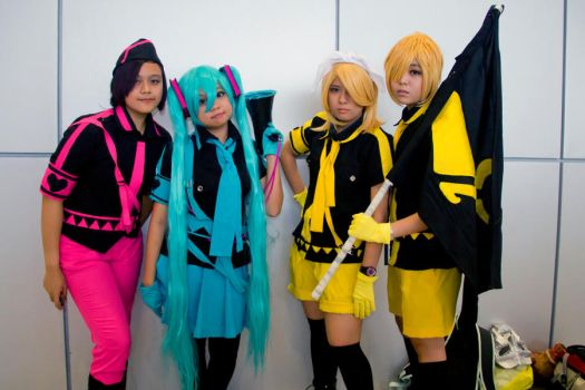 VOCALOiD OVERLOAD! by potterhead421