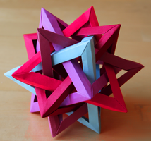 5 intersecting tetrahedra by nekomancer123