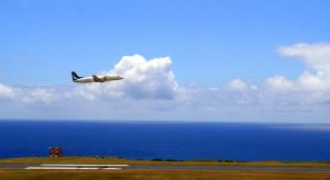 plane taking off at azores by neeuq2006