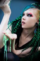 Weird Green Thing by Int0XiKate