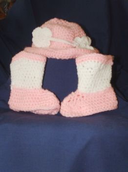 Pink n White Baby Cowboy Hat and Cowboy Booties by Kathskrafts