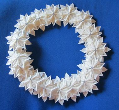 Origami Snowflake Wreath by FroggyDreams