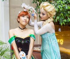 FROZEN: Little sister play by kasaikun16