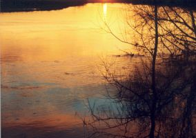 Sunset 3 over the river trent by tallon