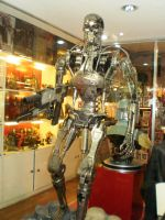 T800 statue by force2reckon