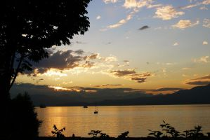Kitsilano Beach Sunset by CoFFeeZomBee