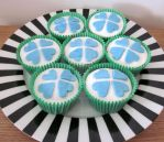 Love and Luck Cupcakes by Applinna